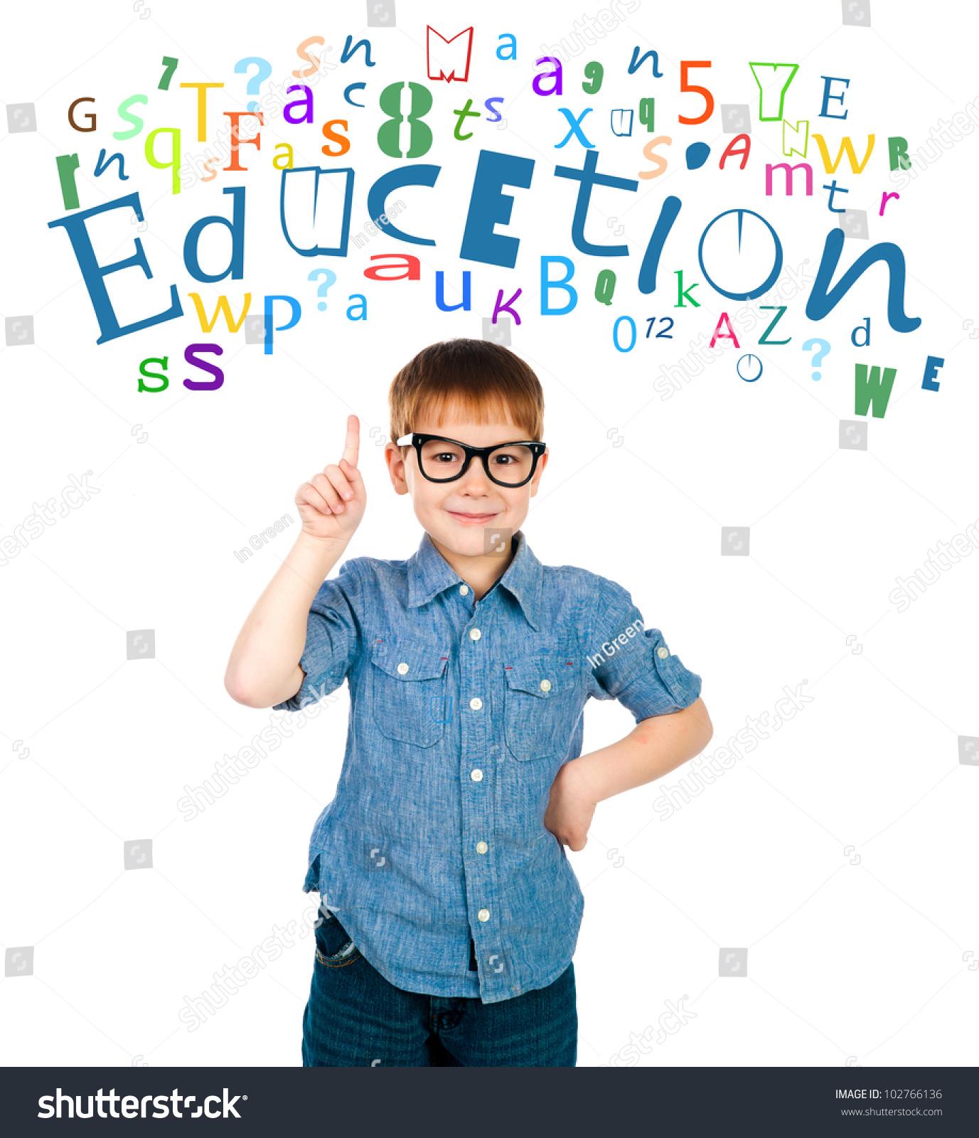 小学生提高他的手给一个答案——孤立在白色的-教育图片