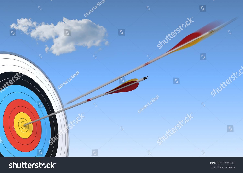 射箭,目标和箭头的蓝色天空背景与一个箭头在行动和人