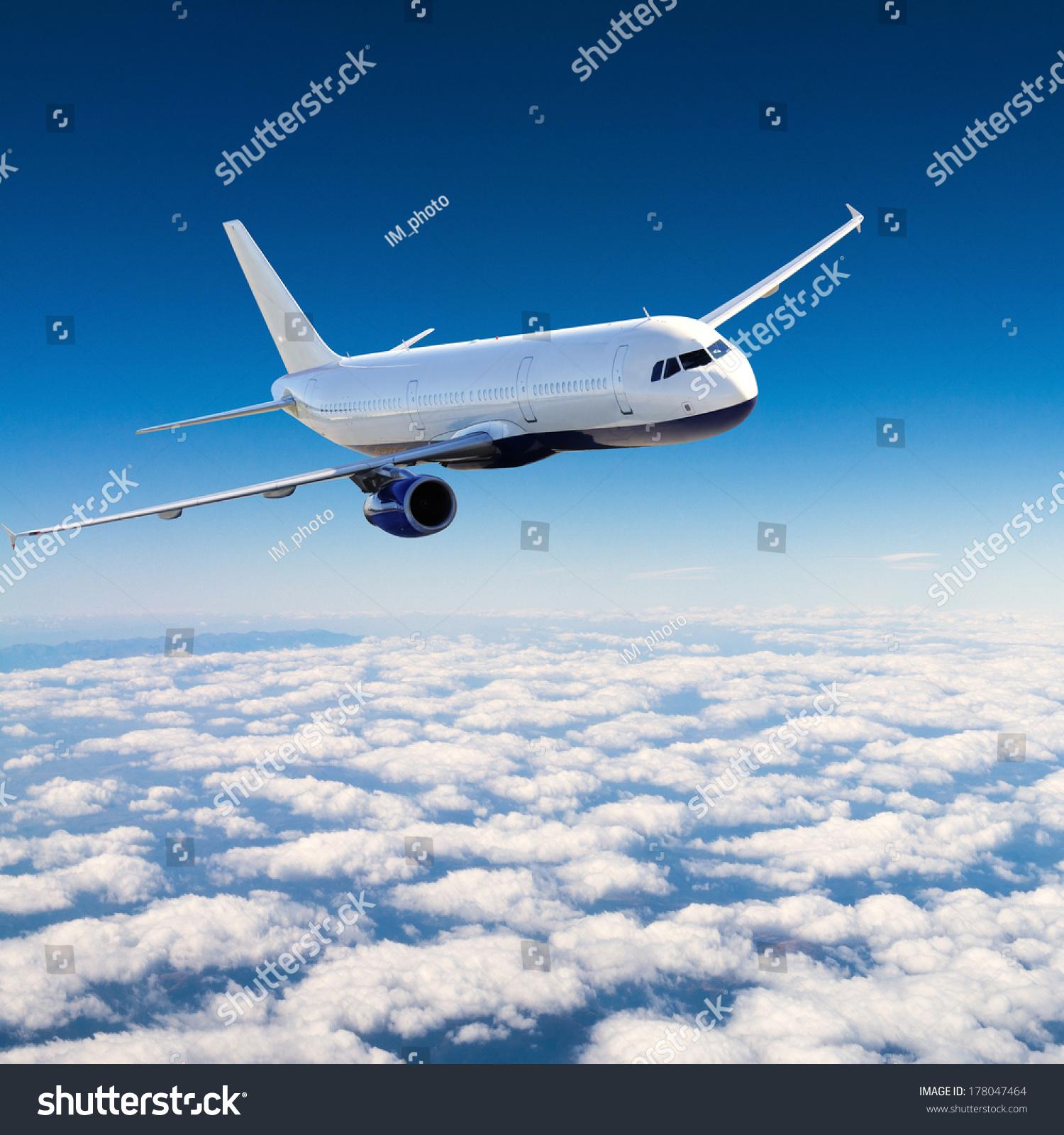 飞机在空中客机/飞机-交通运输