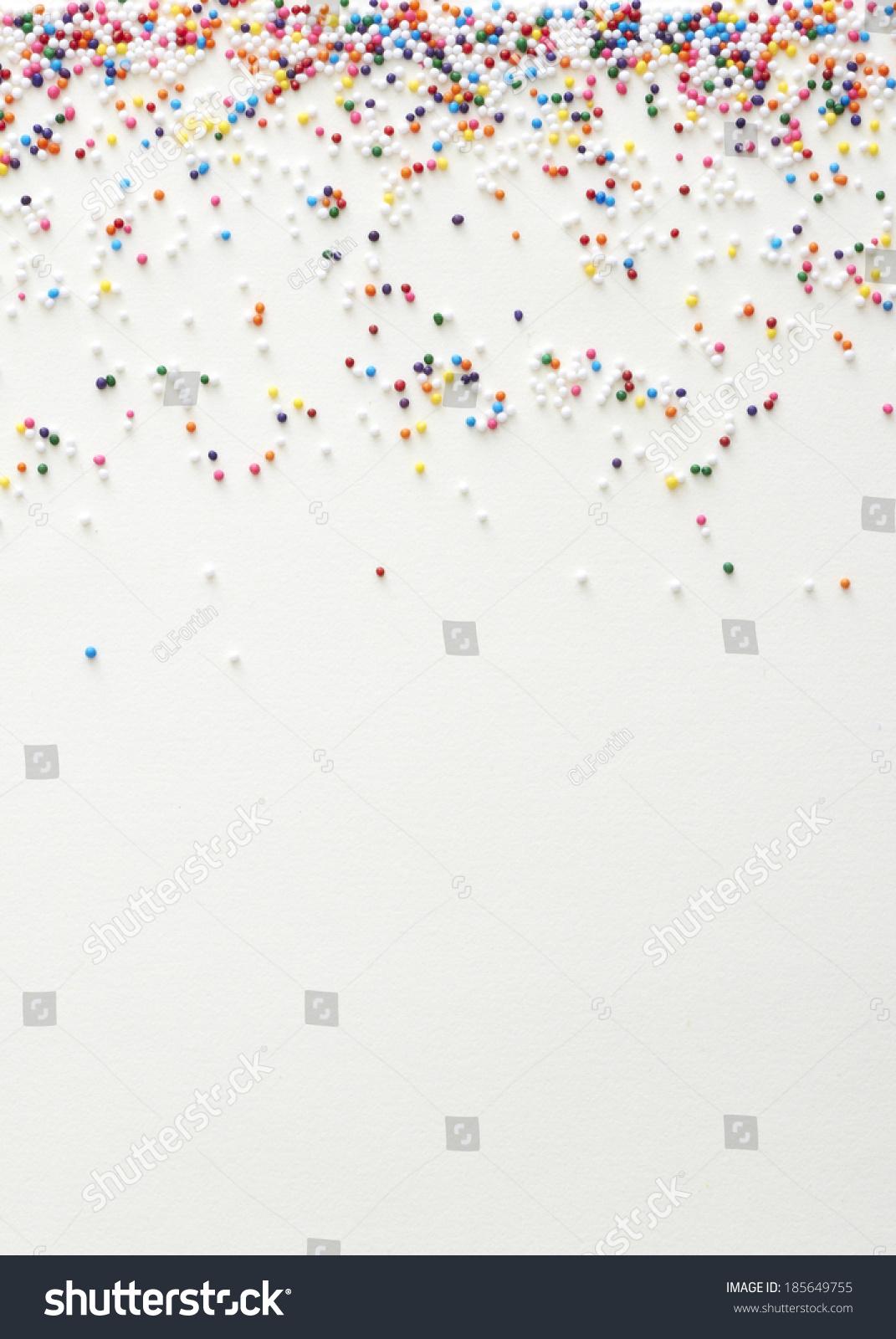 彩虹洒在白色背景-背景/素材