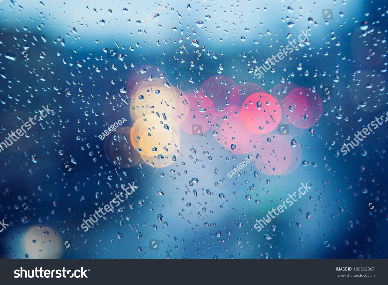 雨天,雨滴在窗口,下雨的天气,雨背景,雨和散景-背景