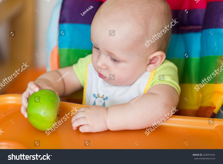 可爱小孩吃东西gif
