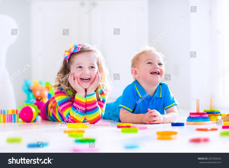 教育孩子玩具学前班和幼儿园