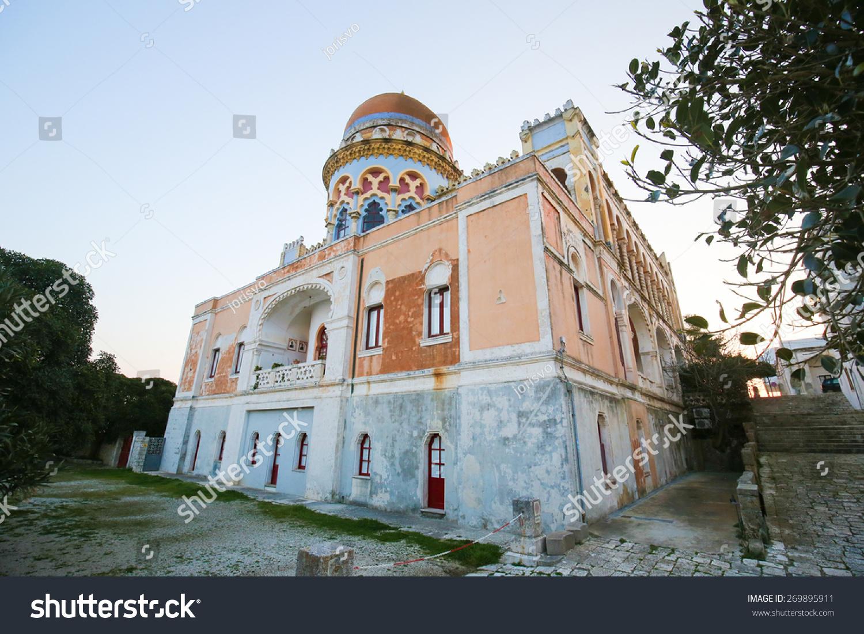 别墅Sticchi,创造了1894年和1900年之间的摩尔式建筑风格在圣Cesarea Terme实验海岸,莱切,阿普利亚,意大利。 - 建筑物/地标 - 站酷海洛创意正版图片,视频,音乐素材交易平台 - Shutterstock中国独家合作伙伴 - 站酷旗下品牌
