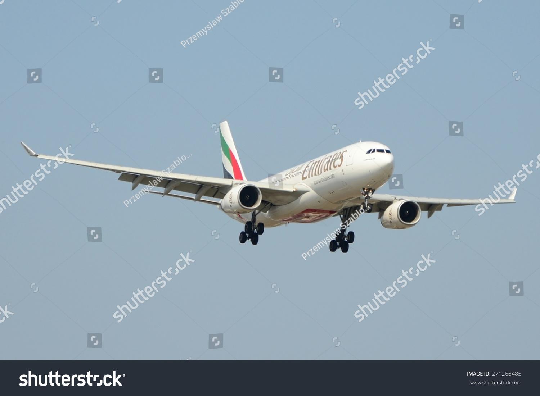这是一个阿联酋的飞机空客a330 - 200注册为A6-EAD肖邦在华沙机场。2015年4月11日。华沙,波兰。-交通运输-站酷海洛创意正版图片,视频,音乐素材交易平台-Shutterstock中国独家合作伙伴-站酷旗下品牌