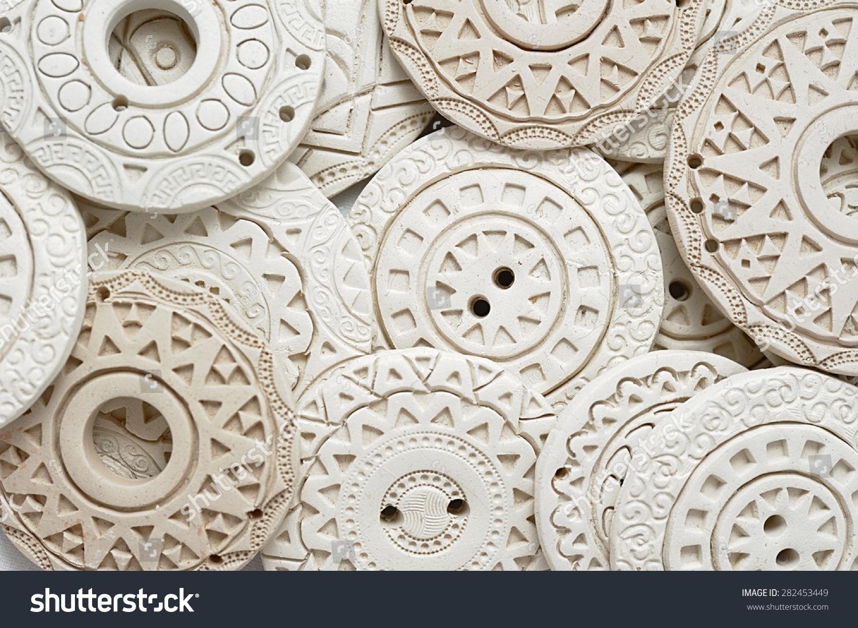 手工制作的民族服装粘土串珠-物体