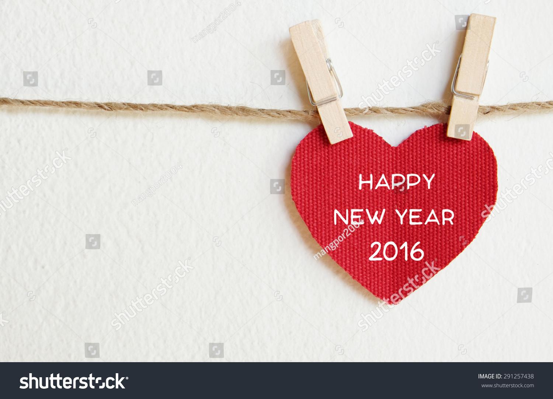 红色织物心新年快乐2016字挂在晾衣绳,新年模板-背景