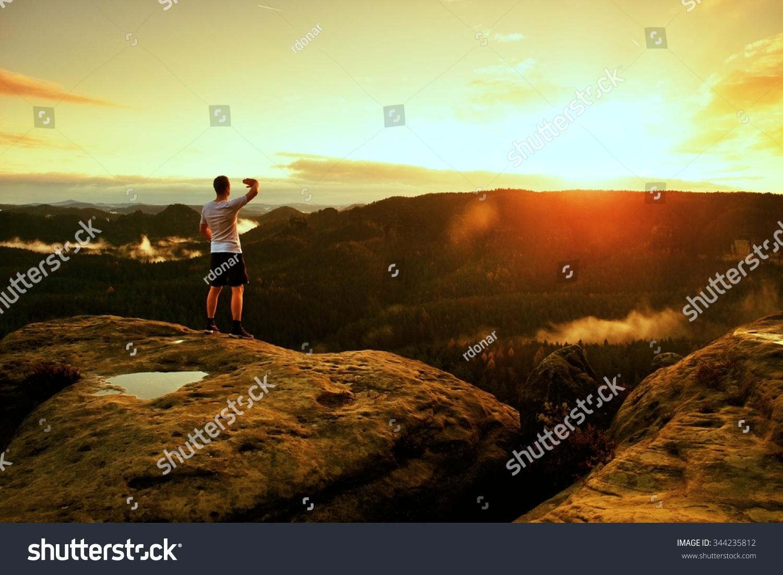 双手在空中目标姿态胜利图片