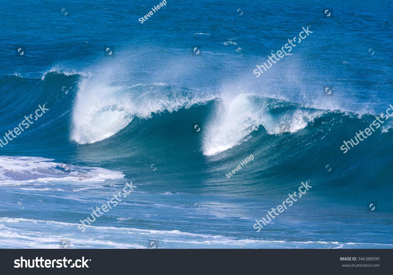 """戏剧性的强大的海浪上lumaha""""危险的海滩上沙子,考艾岛,夏威夷"""